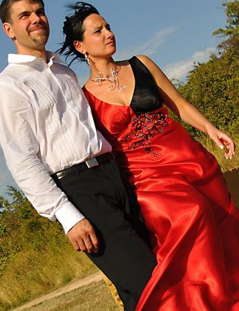 mariage_robe_rouge_collier