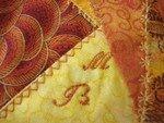 Copier__1__de_D_tail_des_initiales_brod_es_sur_la_cousette_offerte_par_Maryannick__160_x_120_