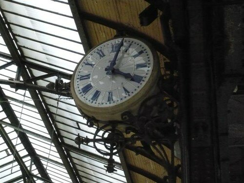 horloge gare de lyon photo de en gros plans sur carnet d 39 humeurs. Black Bedroom Furniture Sets. Home Design Ideas