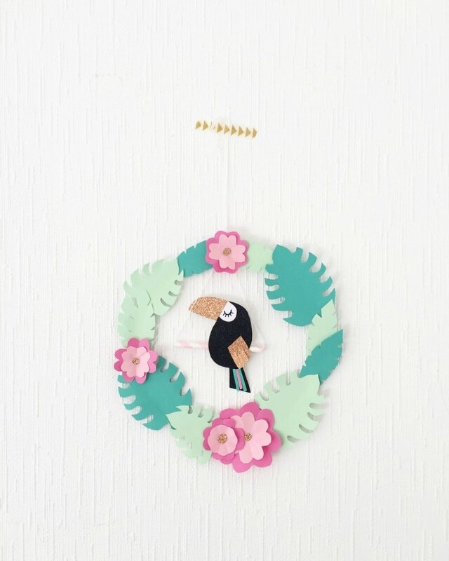 couronne-diy-tropicale-toucan-papier-moma-blog