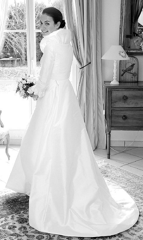 Heureuse et belle annee 2012 a tous roses et pivoines - Manteau mariage hiver ...