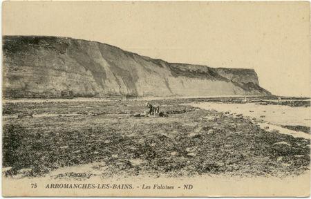 14 - ARROMANCHES - Les falaises