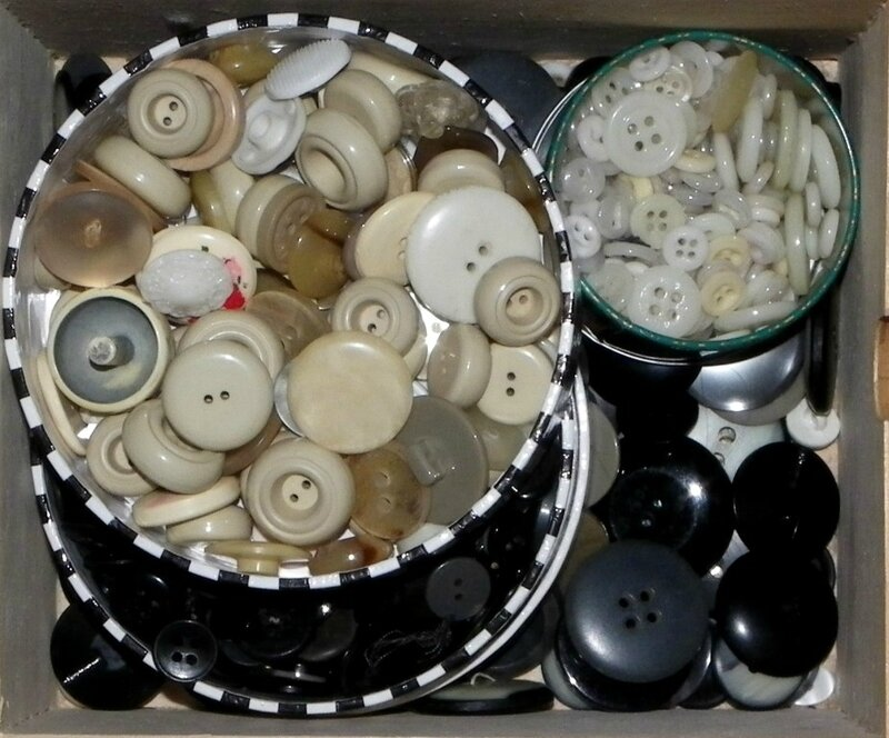 20170807-collection-boutons-noirs-blancs