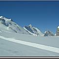 Devinette sous la neige en compagnie de marmotta
