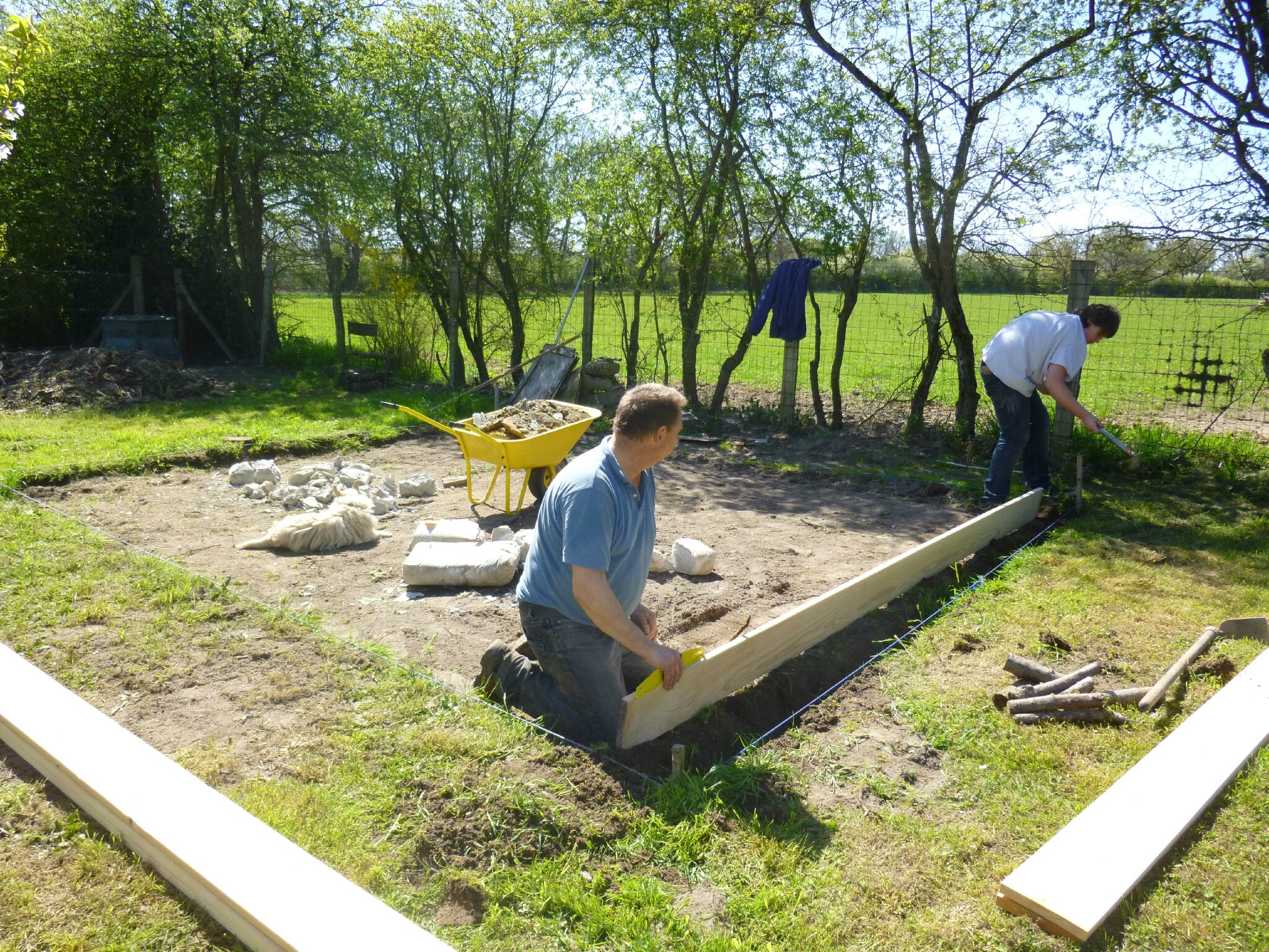 Construction d 39 un petit chalet les bricoles de phil - Construction petit chalet ...