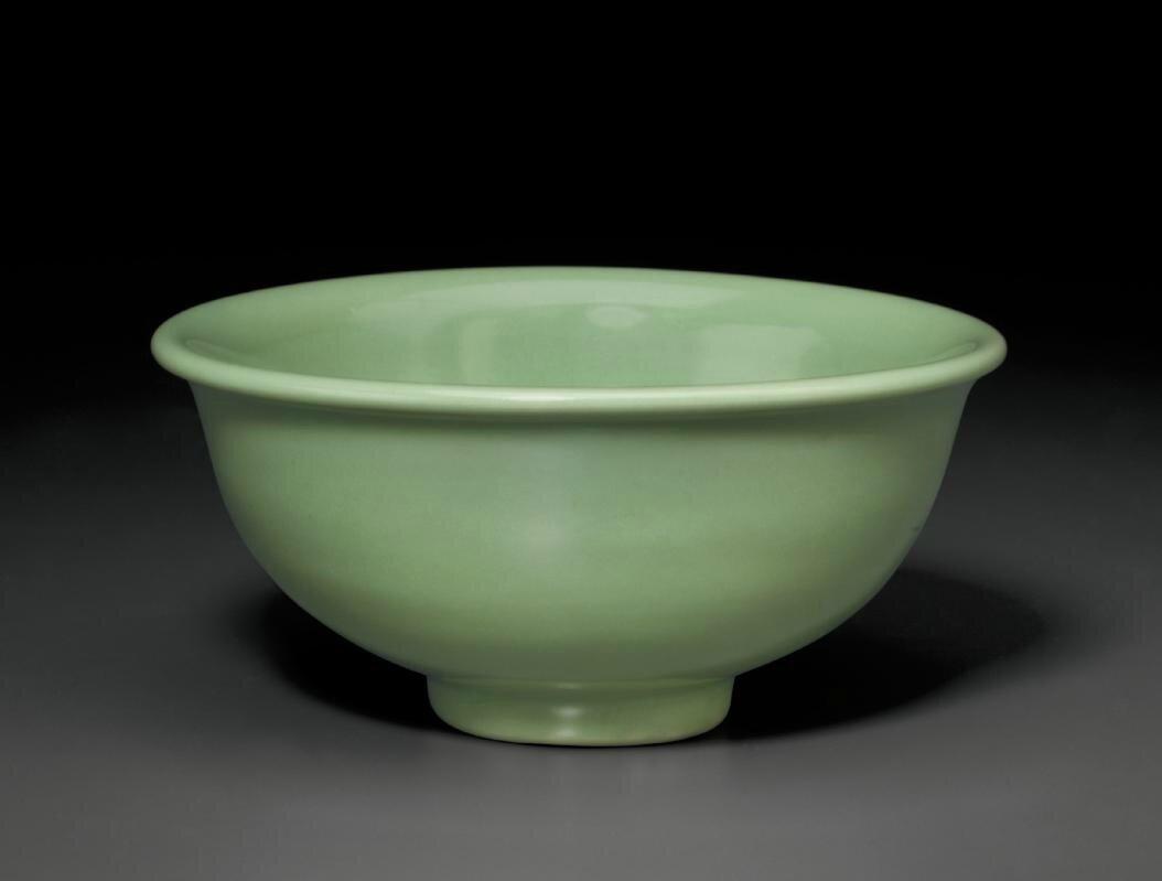 A Longquan celadon bowl, Ming dynasty, 15th century