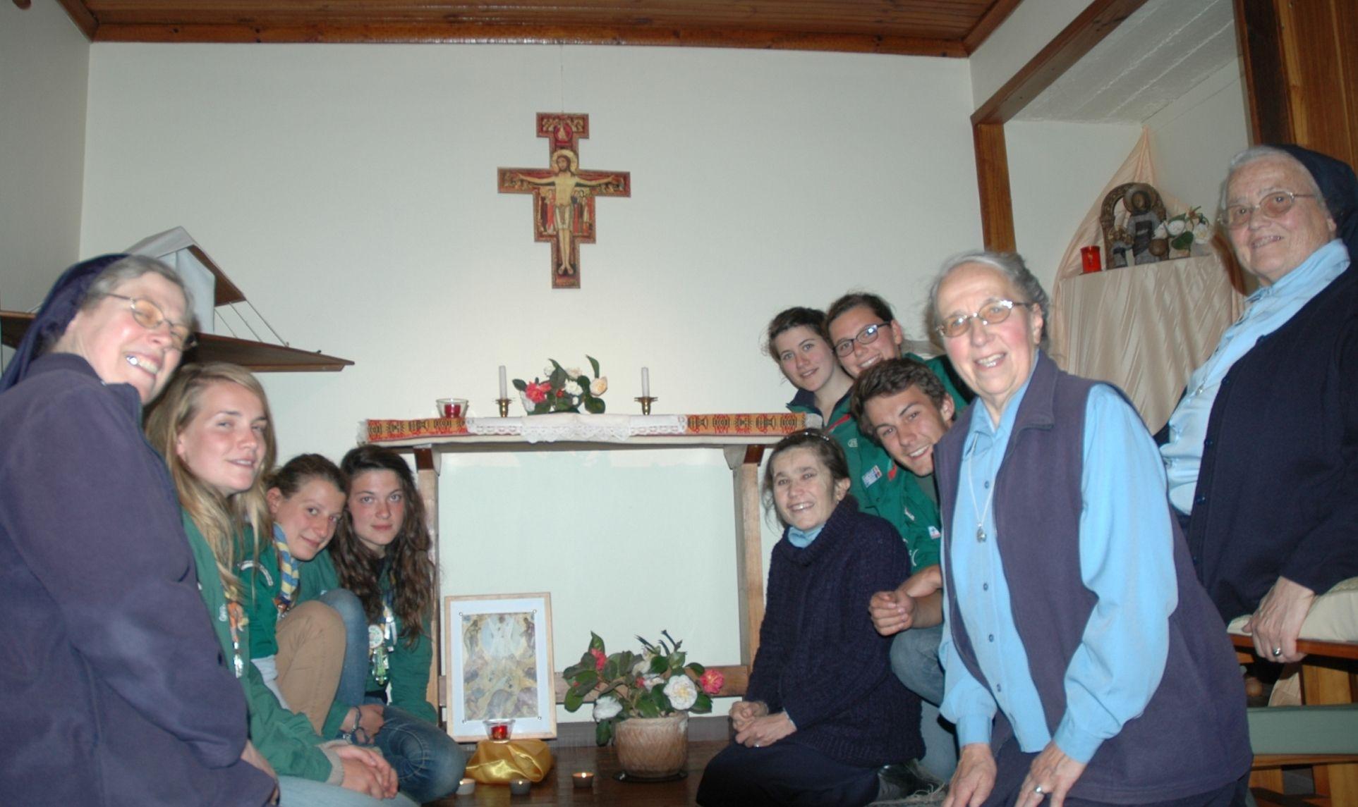 En la capilla de la casa de las Hermanas