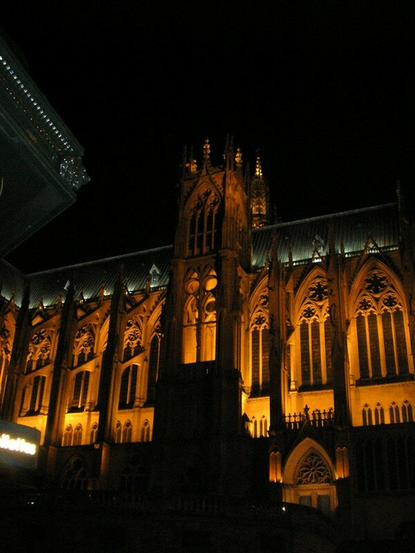 La cathdrale by night bis