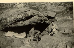 49 TBG oukaîmedn abrit sous roches pour qqs nuit 1954