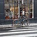 Vélo, devanture, passage piéton_7170