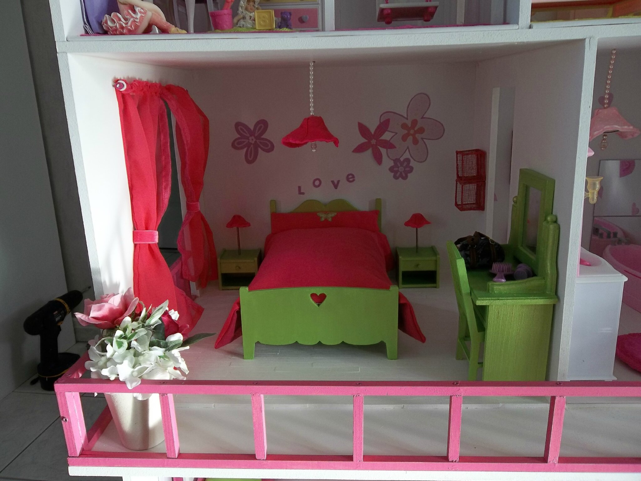 fabrication maisons de poup e barbie construction de. Black Bedroom Furniture Sets. Home Design Ideas