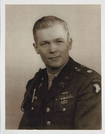content_Dick_Winters_Formal_Portrait_as_a_Major