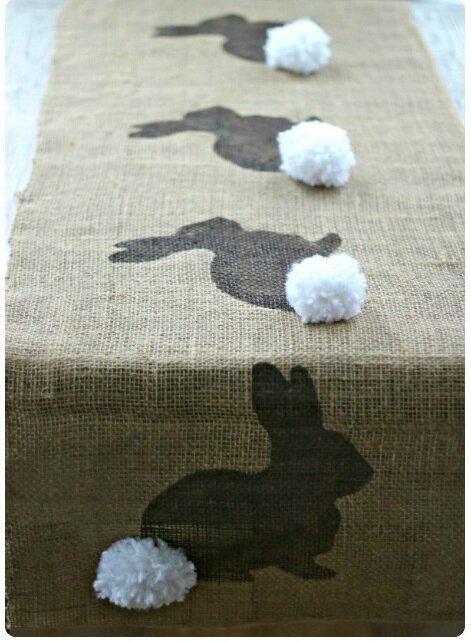 Burlap-Bunny-Table-Runner