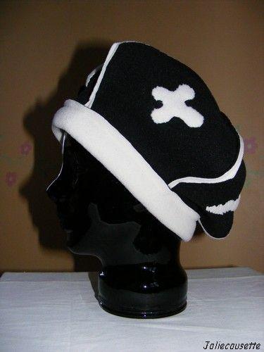 béret pointu noir et blanc