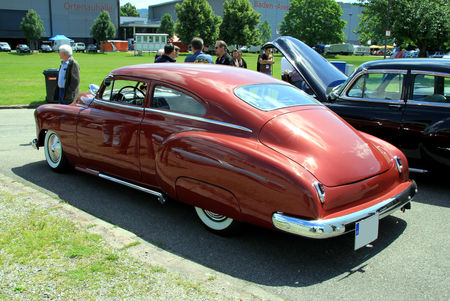 Chevrolet_fleetline_2door_sedan_custom_de_1950__RegioMotoClassica_2010__03