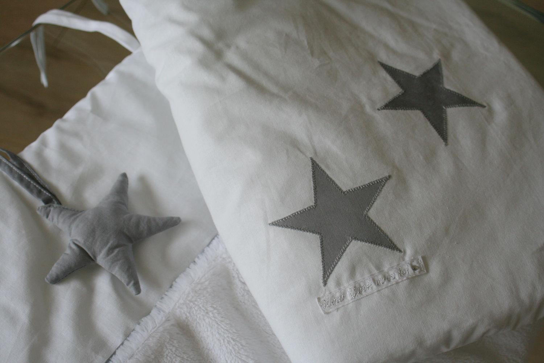 Tour de lit neige toil e new york avec toi - Patron tour de lit bebe ...