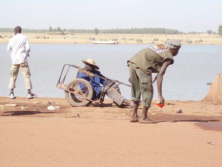 hygiène des plages côté quartiers chics MOPTI Mali