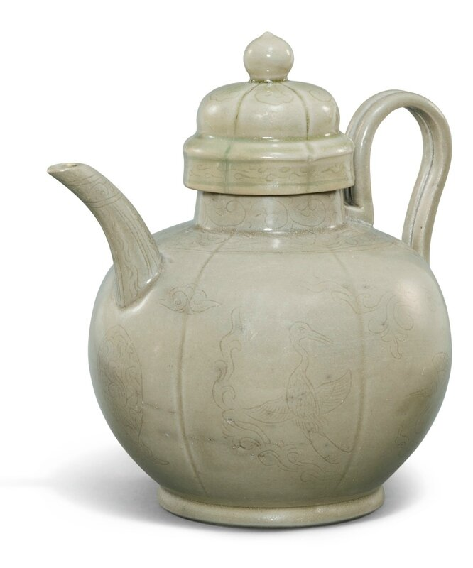 A rare Yueyao celadon ewer and cover, Five dynasties-Song dynasty