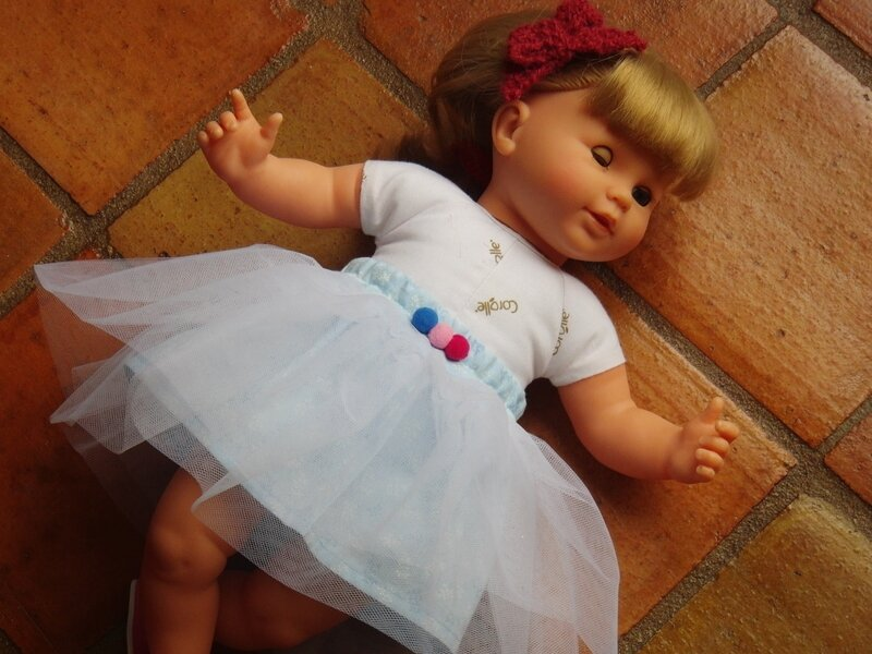 Jupe Swan pour poupée ! 003