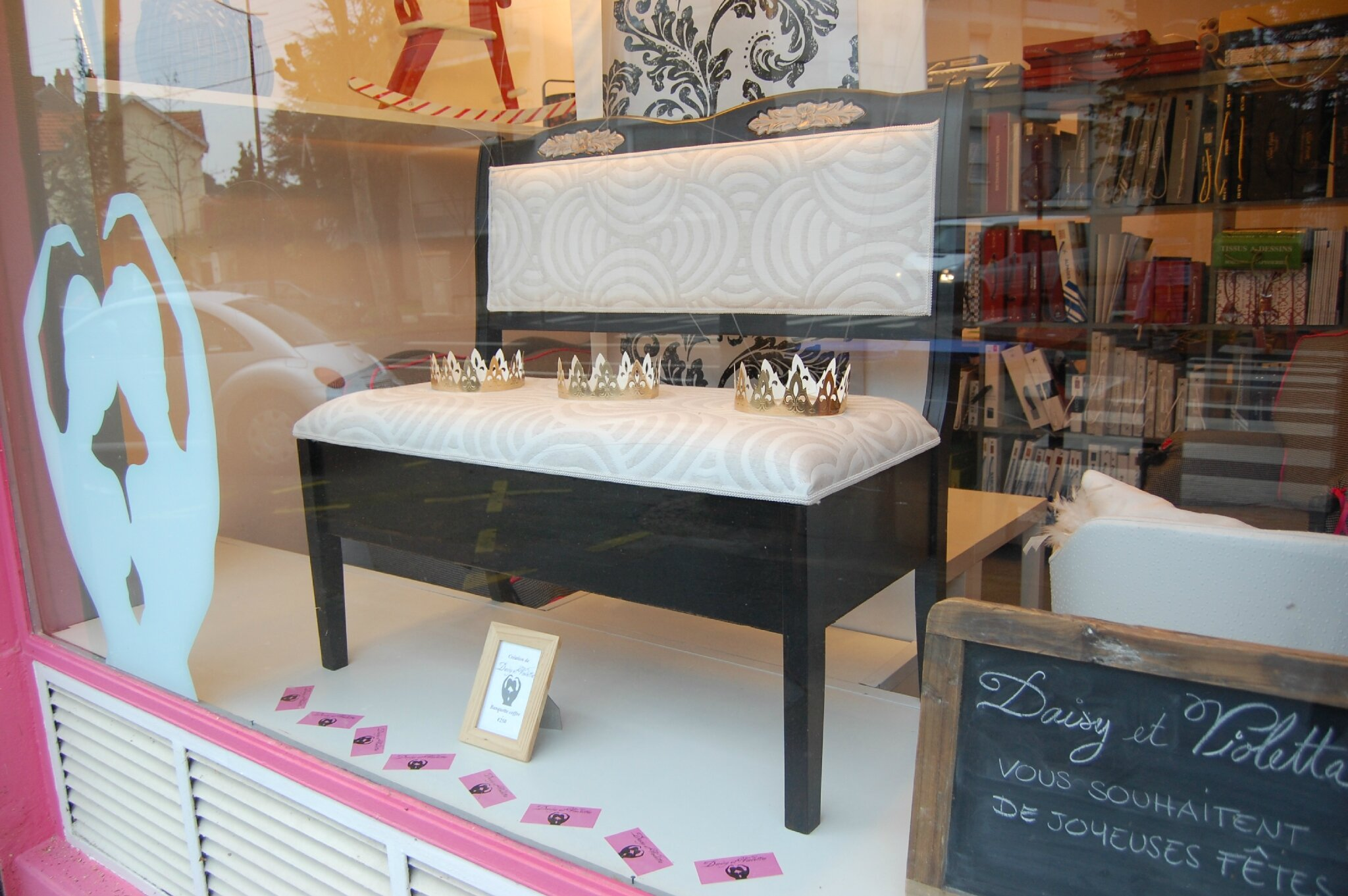 cr ations daisy et viloletta tapissier decorateur nantes. Black Bedroom Furniture Sets. Home Design Ideas