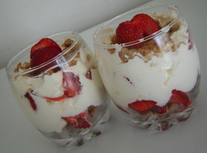 Recettes fraises mascarpone - Coupe de fraises mascarpone ...