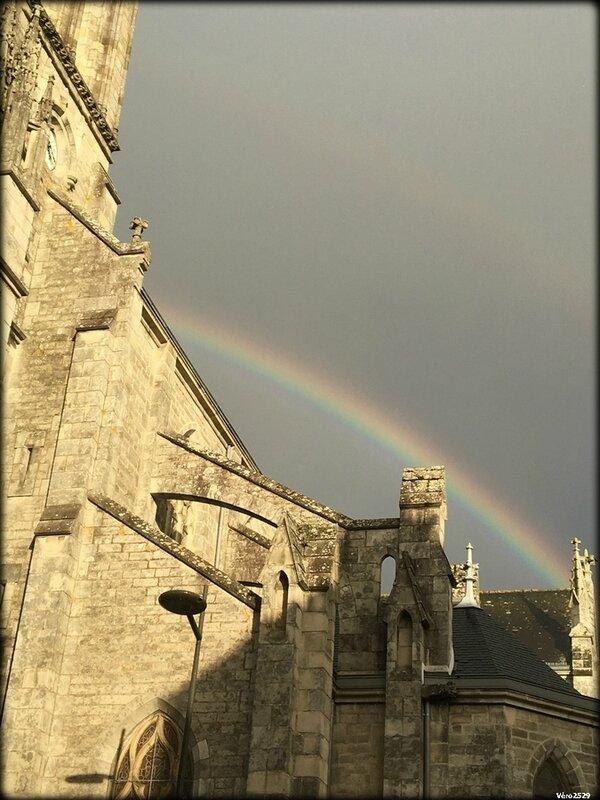 Eglise st matthieu arc en ciel