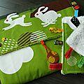 tapis à langer et doudou étiquettes