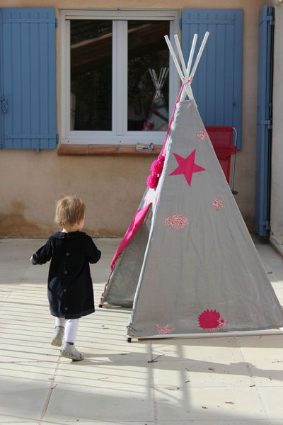 the tipi show la petite vie de so. Black Bedroom Furniture Sets. Home Design Ideas