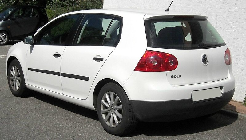 1280px-VW_Golf_V_rear_20090804