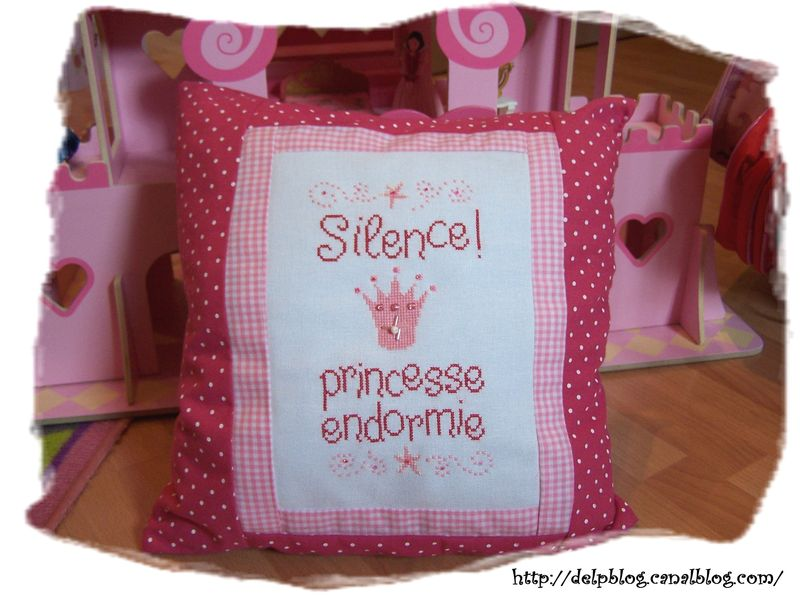 Coussin Silence ! Pincesse endormie.