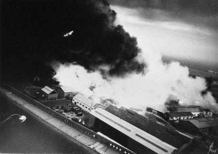 Incendie_des_cuves_sur_le_port_25_juin_1962_10