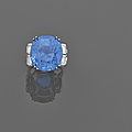 A 47,71 carats sapphire, diamond and platinum ring