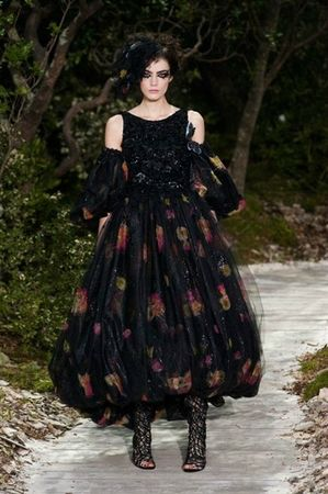 514380_photo-41-defile-chanel-haute-couture-printemps-ete-2013