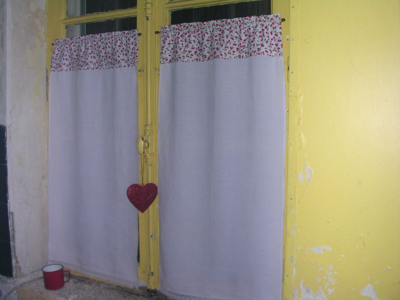 Des rideaux pour la cuisine - La maison de Bébelle