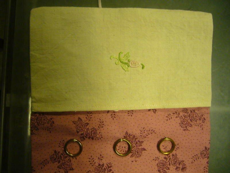 l'autre poche et les anneaux à fil