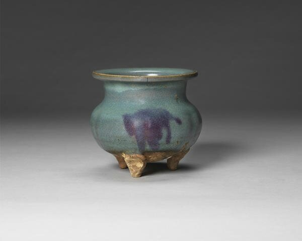 A Jun ware tripod incense burner, Jin-Yuan Dynasty