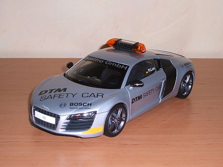 Audi_R8_DTM_Safety_Car_2008_10