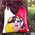 Sac de créateur pop original rouge satiné blanc satiné cuir synthétique applique blonde style marilyn colorée cabas pin up