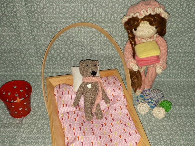 poupée au crochet, douce nuit 022