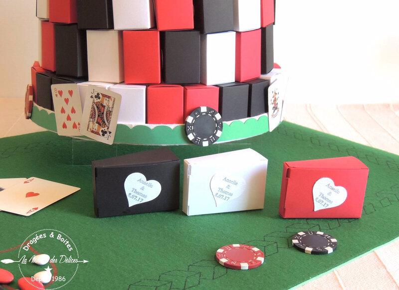 gateau de dragées mariage theme casino rouge noir blanc carte dé jeu etiquette coeur