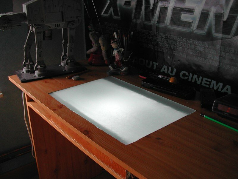 bricolage table dessiner lumineuse meuhxime 39 s dessin. Black Bedroom Furniture Sets. Home Design Ideas