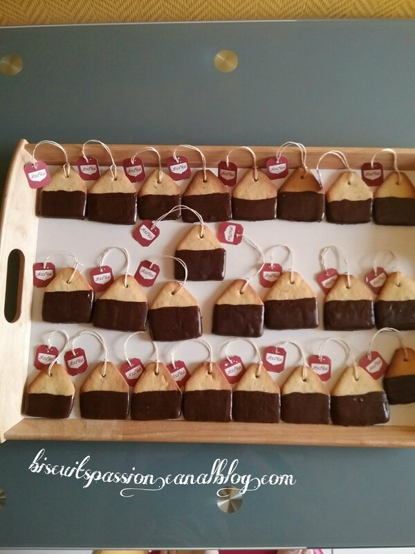 Biscuiots sachets de thé 078