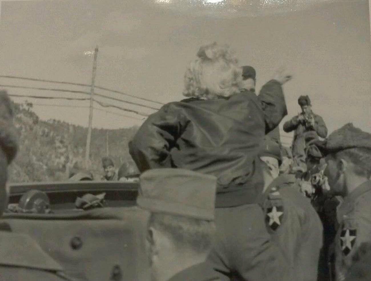 1954-02-19-korea_chunchon-K47_airbase-army_jacket-050-5
