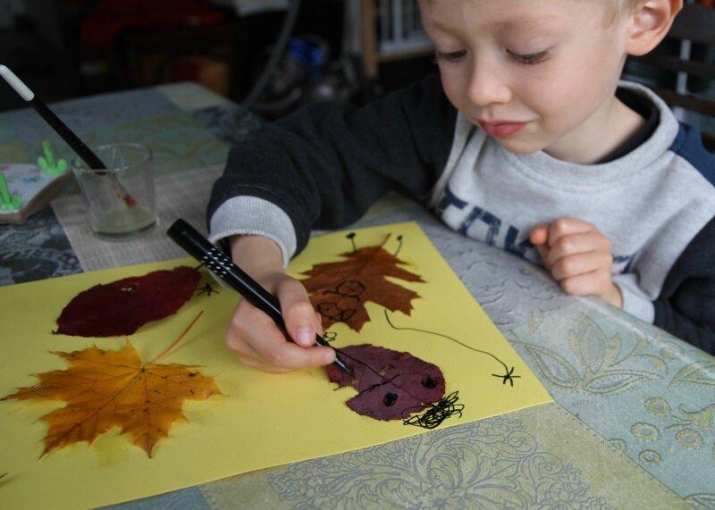 Dessiner des bonhommes avec des feuilles