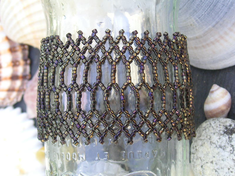 Bracelet Dimensions in netting 2