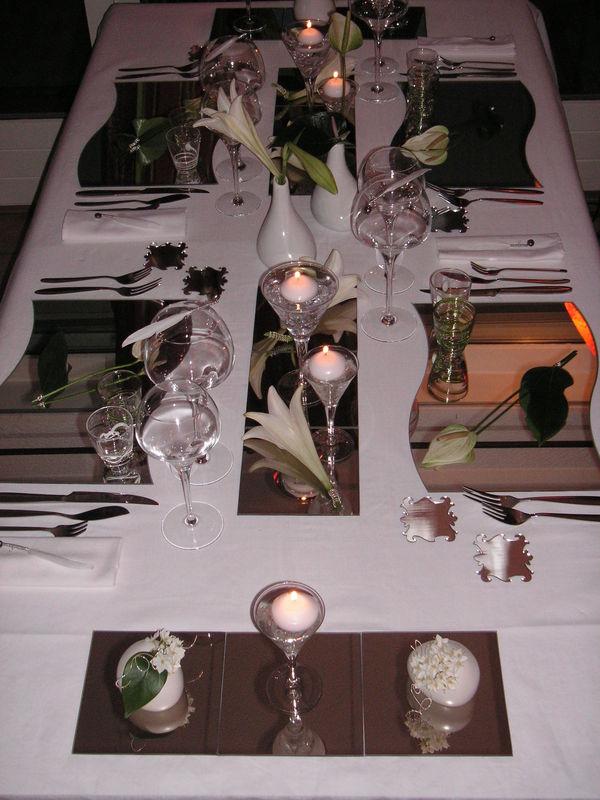 Table r veillon de la st sylvestre a table c t d co - Deco de table reveillon st sylvestre ...