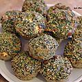 Muffins salés au son d'avoine, épinards, fêta et sa variante épinards, fêta, jambon et pesto.