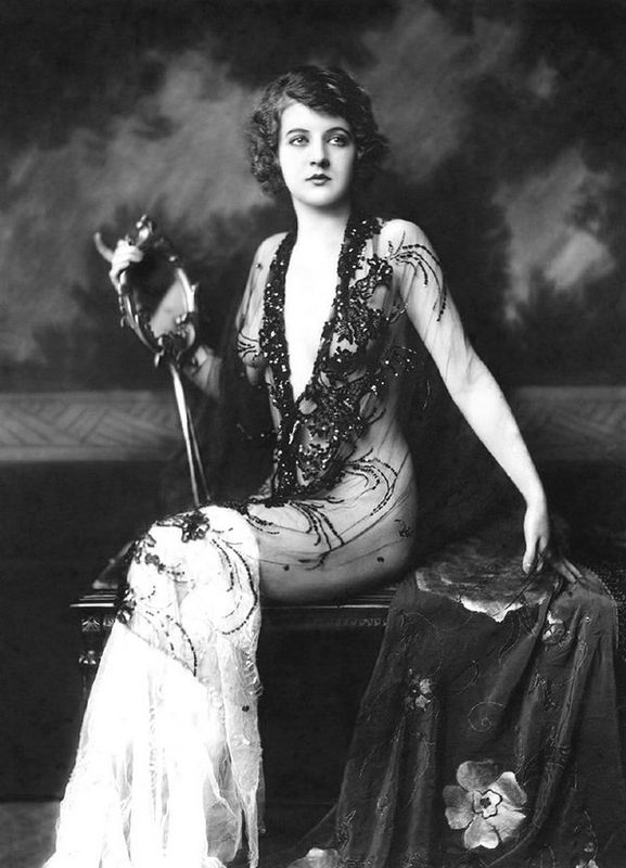 Alfred_Cheney_Johnston_06_Katherine_Burke