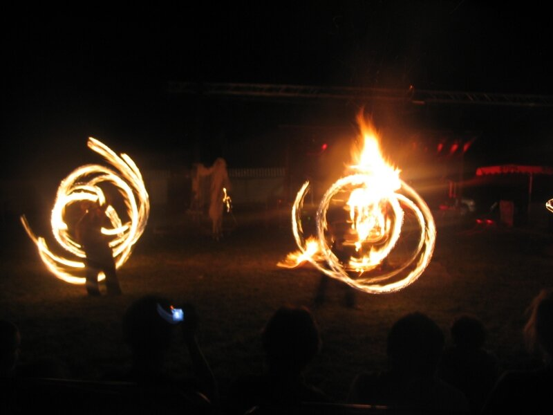 2007 08 Festival épouvantail feu soir clos (18)