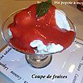 Coupe de fraises meringuées